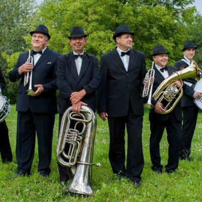 Духовой оркестр «Бравур»