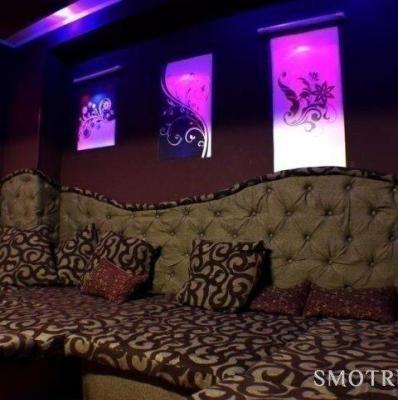sving-klub-na-pushkinskoy-metro-porno-foto-seks-mashinki