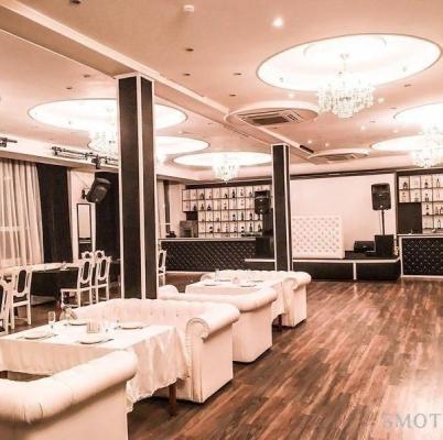 Ресторан, банкетный зал Garnet Club