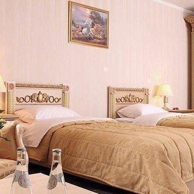 Отель SK-Royal