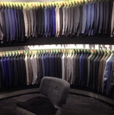 Магазин мужских костюмов Suitsupply